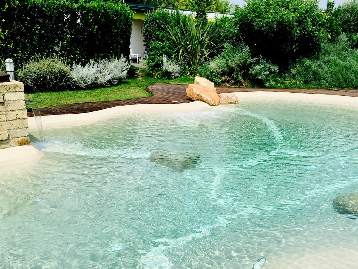 Piscine natulari minimo impatto e massimo comfort for Sedute per piscine