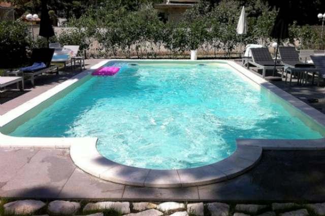 Piscine classiche interrate di forma libera o rettangolare - Costi manutenzione piscina ...
