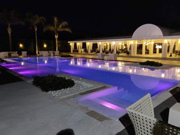 illuminazione piscina hotel