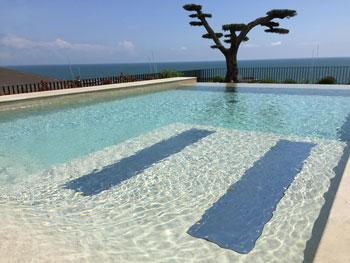 rendering piscina scenografica