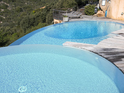 piscina sfioro infinity