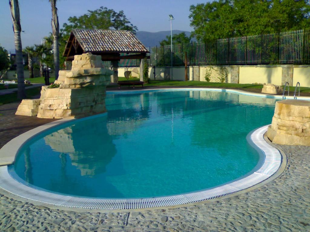 Paesaggi D Acqua Piscine piscina a sfioro o infinity - impatto scenografico e design