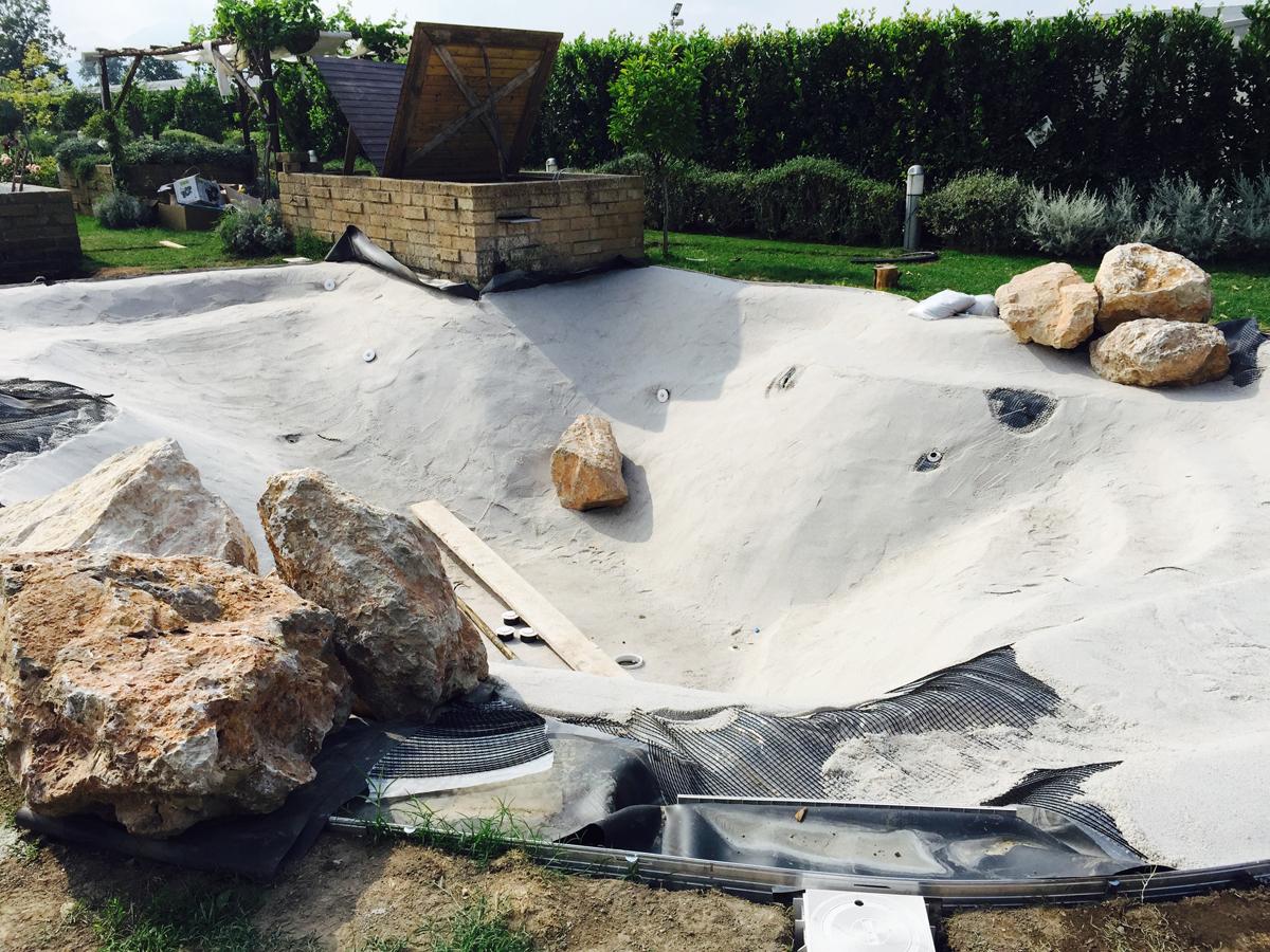 Costruzione di piscine naturali con totale assenza di - Piscina naturale ...